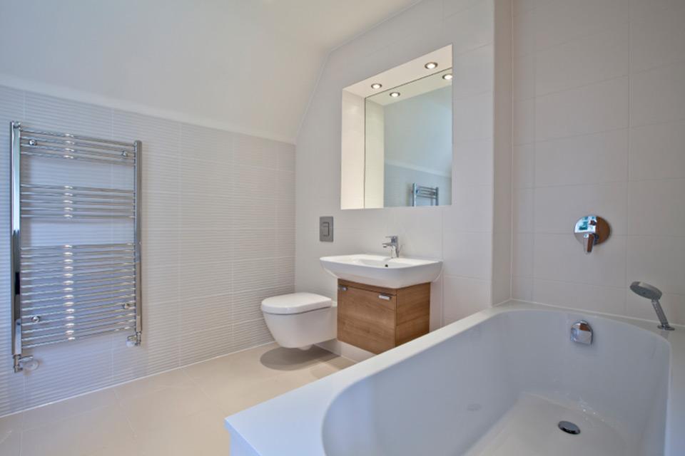Bathroom fitter in manchester bathroom fitter in manchester for Bathroom refitters
